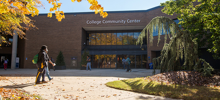 students on the ccbc dundalk campus